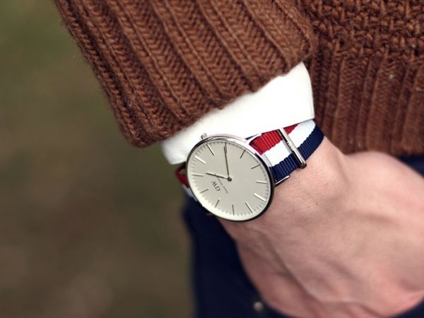 dong ho daniel wellington day vai 5