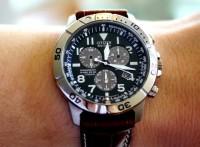 đồng hồ citizen nam dây da khác biệt